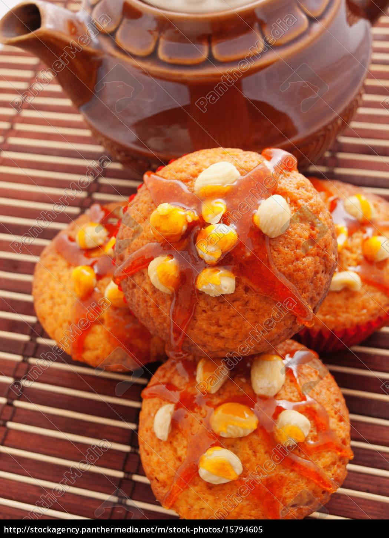 cupcakes, with, hazelnuts, cupcakes, with, hazelnuts - 15794605
