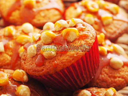 cupcakes, with, hazelnuts - 15794741
