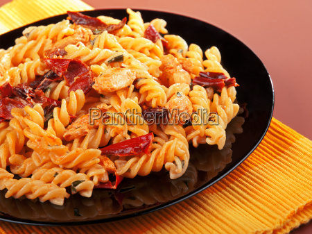fusilli, with, chicken, and, dried, tomatoes, fusilli - 15795981