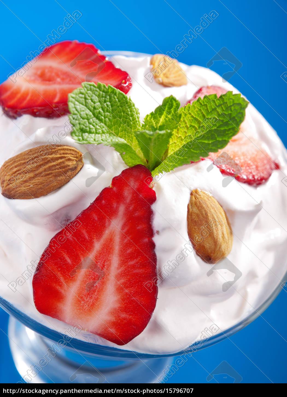strawberry, cream, strawberry, cream, strawberry, cream, strawberry, cream, strawberry, cream, strawberry - 15796707