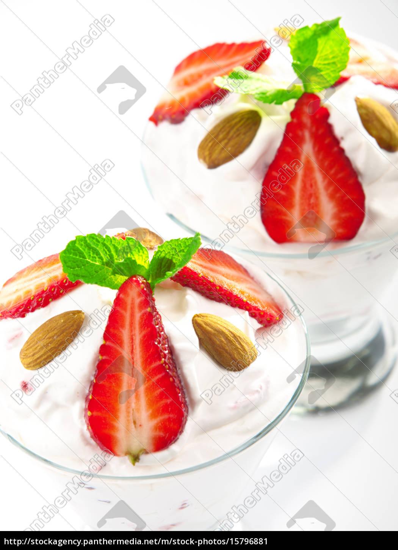 strawberry, cream, strawberry, cream, strawberry, cream, strawberry, cream, strawberry, cream, strawberry - 15796881