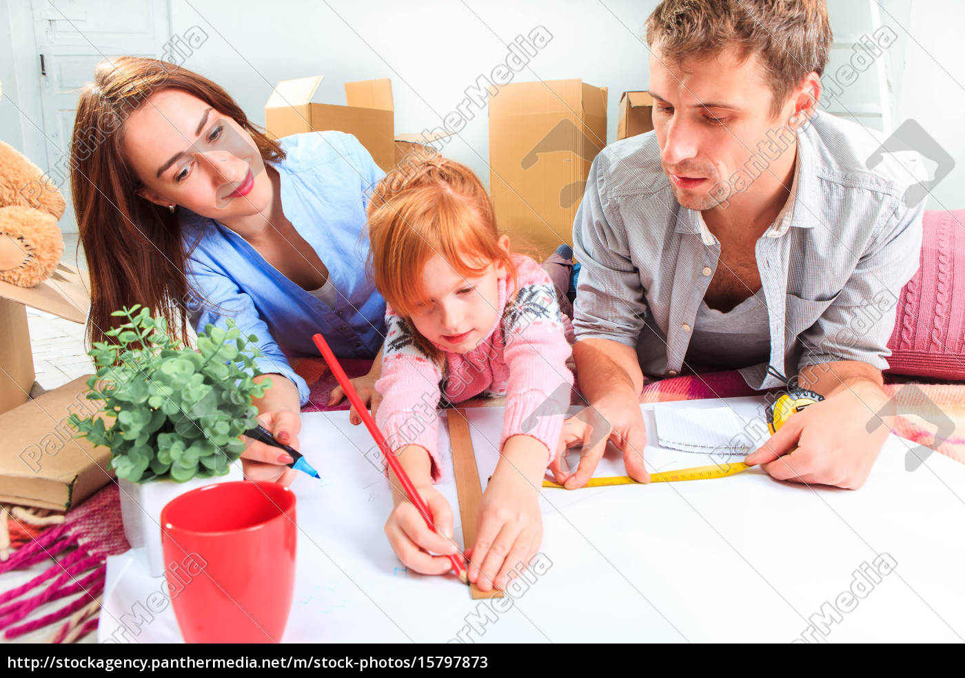 the, happy, family, , during, repair - 15797873