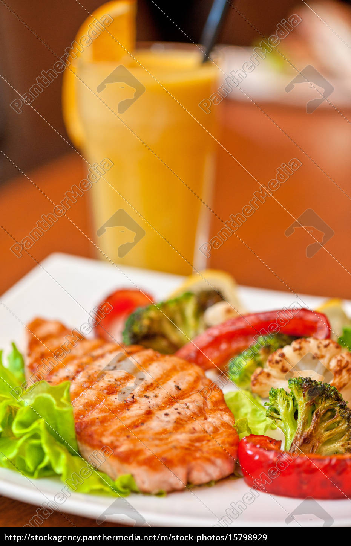 salmon, steak, closeup - 15798929