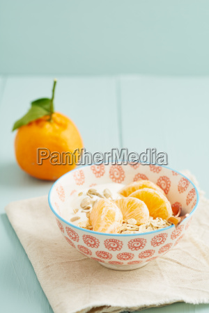 breakfast cereal with mandarins