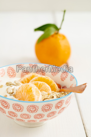 breakfast, cereal, with, tangerines - 15799609