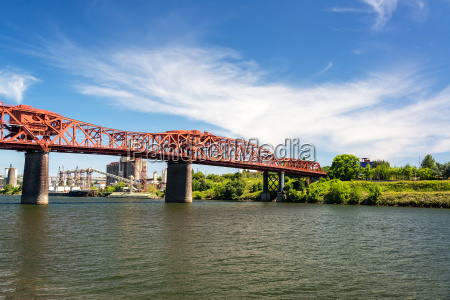 broadway, bridge, in, portland, , oregon - 15799393