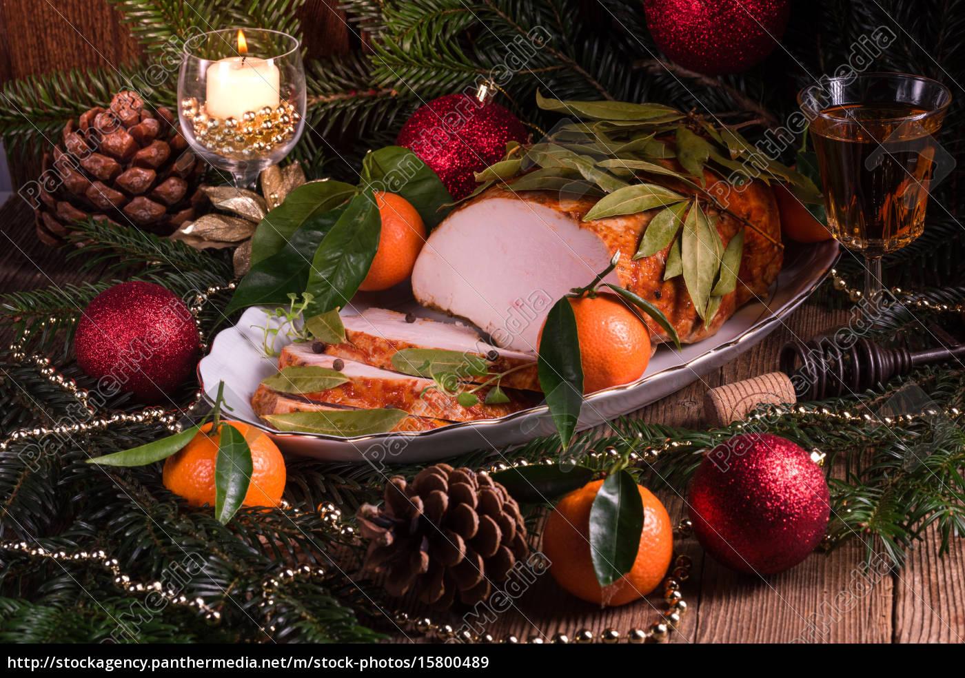 aromatic, turkey, roast, in, piquant, marinade - 15800489