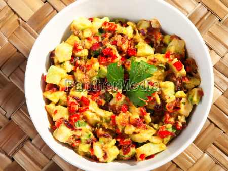 salad, with, avocado, and, red, peppers, salad - 15801383