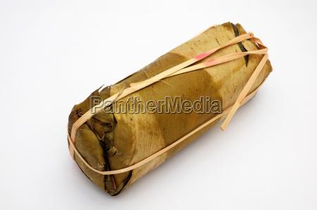 packaging of banana leaves for vietnamese