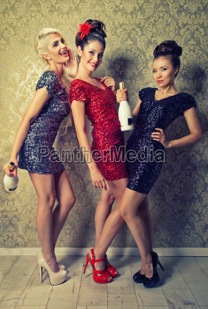 3 attractive girls in party mood