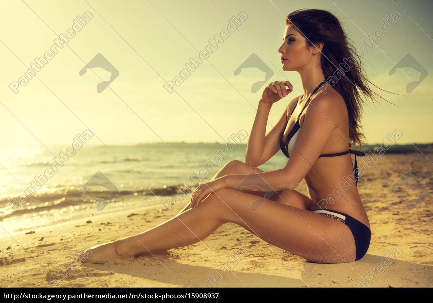 attractive, woman, in, sexy, bikini, on - 15908937 ...