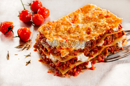 delicious beef lasagne with roasted tomatoes