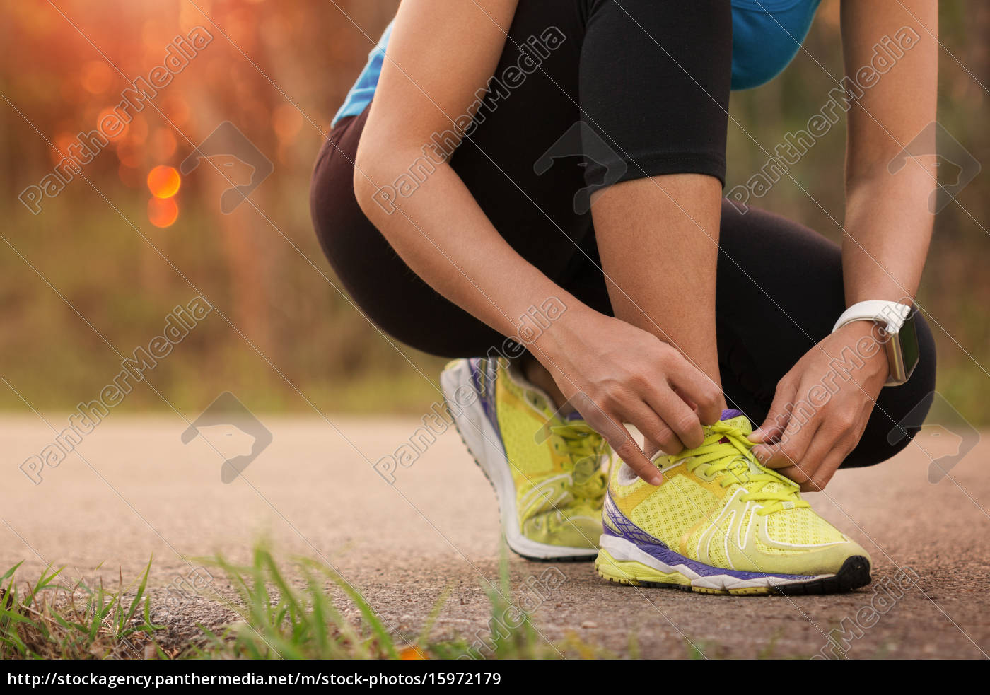 woman, tying, sport, shoes, ready, for - 15972179