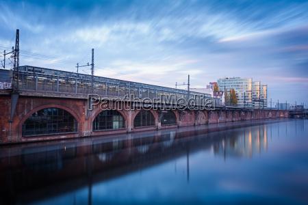 berlin jannowitz bridge at dusk