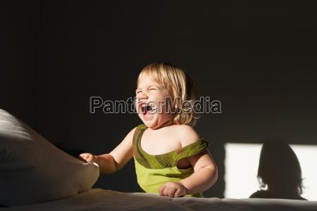 baby screaming sunlight