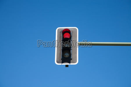 semaphore red light on