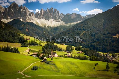 funes valley with geislerspitzen gruppo delle