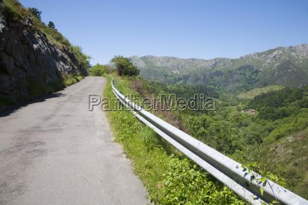 narrow rural road in asturias