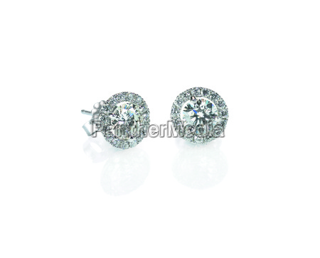 beautiful halo diamond stud earrings with