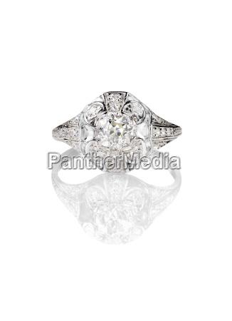 diamond solitaire engagment wedding ring vintage