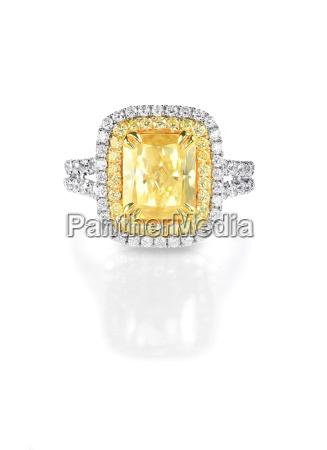 yellow canary diamond large engagment ring