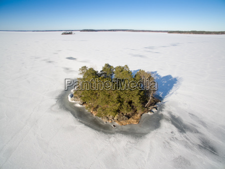 island surronded by ice