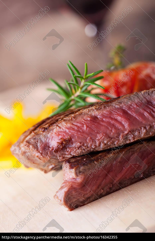 partly, sliced, \u200b\u200bgrilled, steak, with, french - 16342355