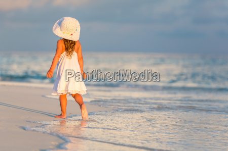 little, girl, on, the, beach - 16344721