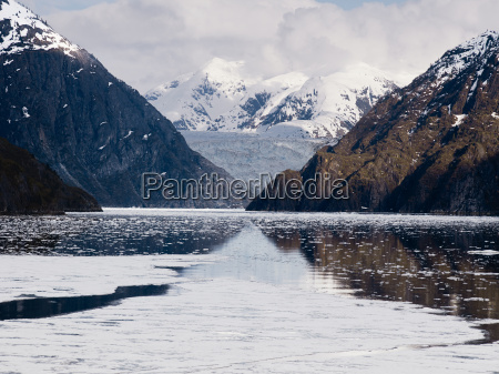 tracy arm fjord and sawyer glacier