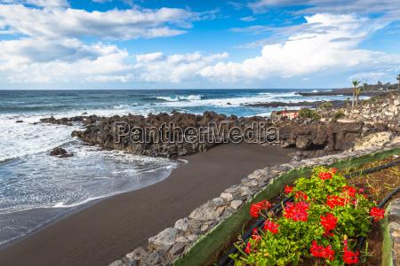 the coast of atlantic ocean in