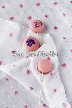 lollipop macarons with stamped motifs