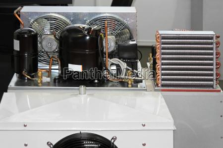 refrigeration compressor unit