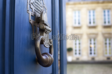 knocker of a french mansion