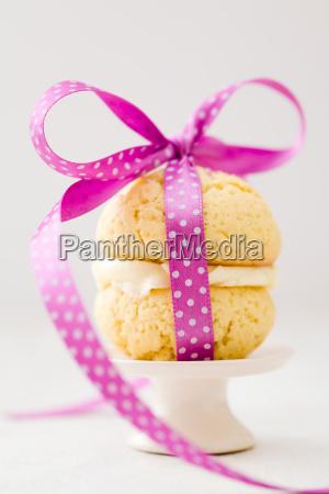 vanilla whoopie pie