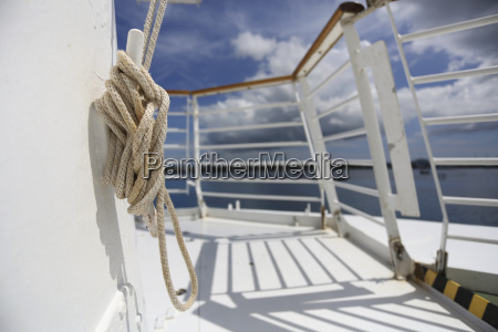 rope on cruise liner