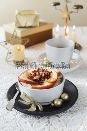 bowl of porridge with roasted apple