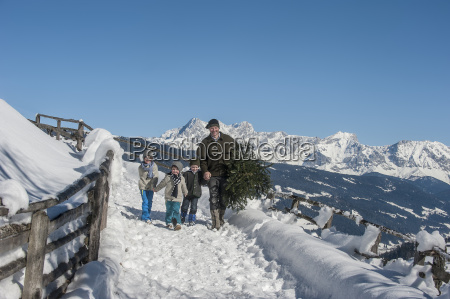 austria altenmarkt zauchensee father with children