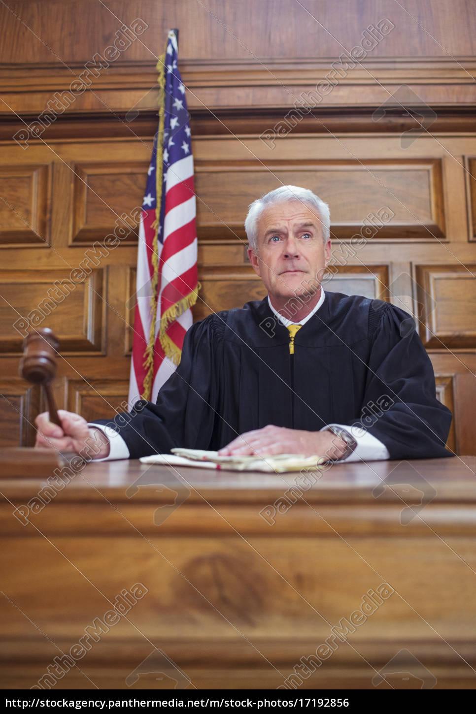 judge, banging, gavel, in, court - 17192856