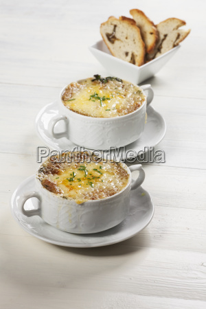 french onion soup in soup cups