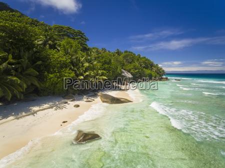 seychelles silhouette island anse la passe