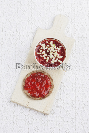crispbread with homemade strawberry jam and