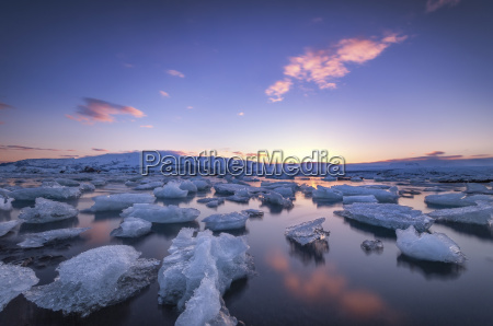 iceland icebergs floating in jokulsarlon ice