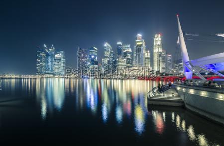 singapore skyline of singapore at night