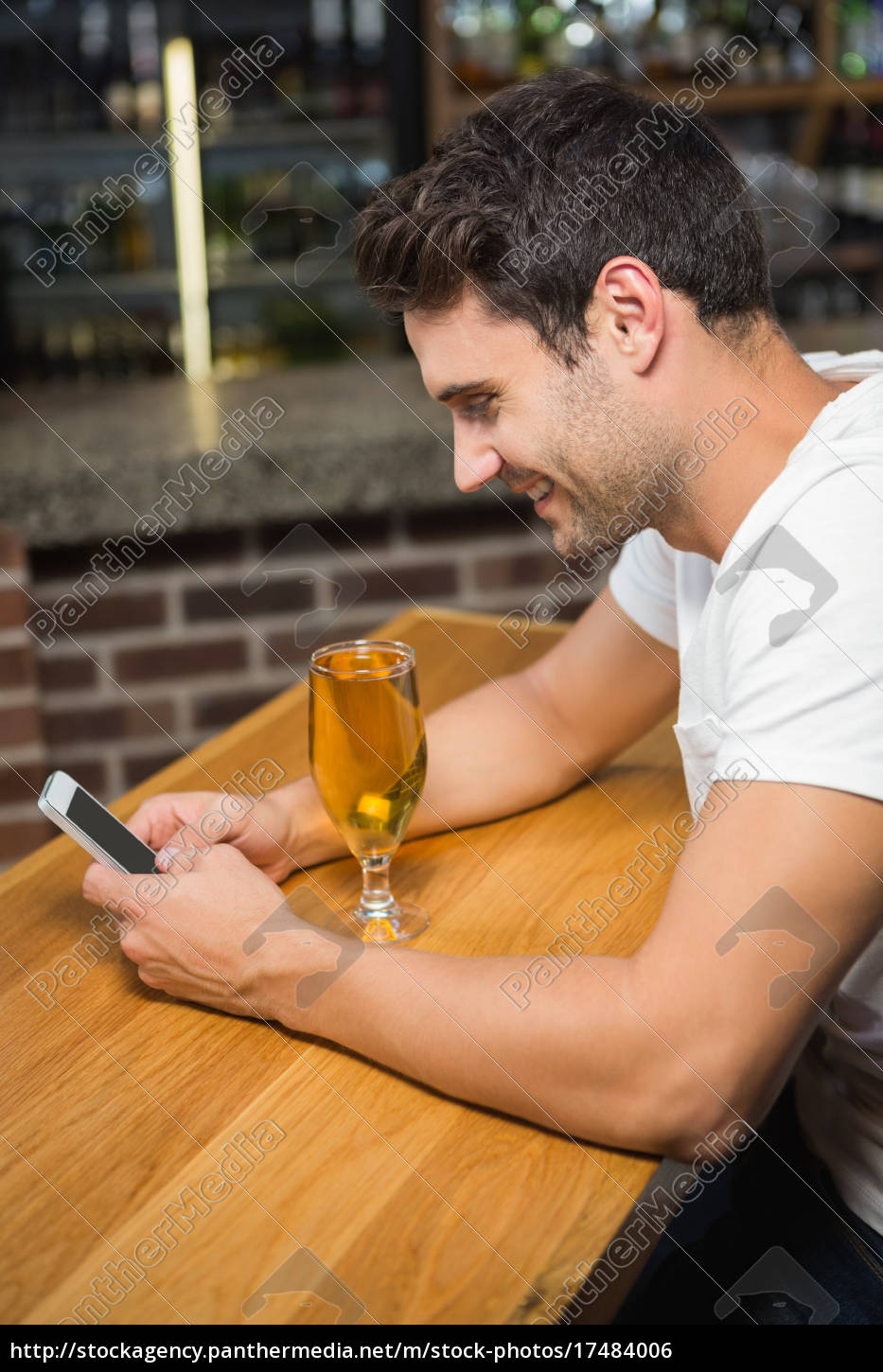 handsome, man, using, smartphone, and, having - 17484006