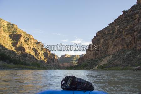 picking up trash in desolation canyon