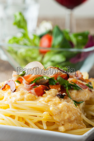 close up of spaghetti carbonara