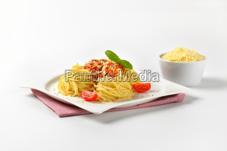 spaghetti with tomato pesto and parmesan