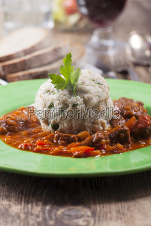 goulash with breadcrumbs and wine