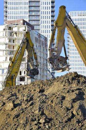heavy machinery at regent park demolition