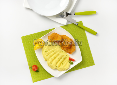 mashed potatoes and chicken nuggets